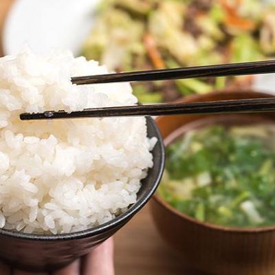 Thói quen ăn cơm hại sức khỏe khủng khiếp, hầu hết người Việt đều mắc